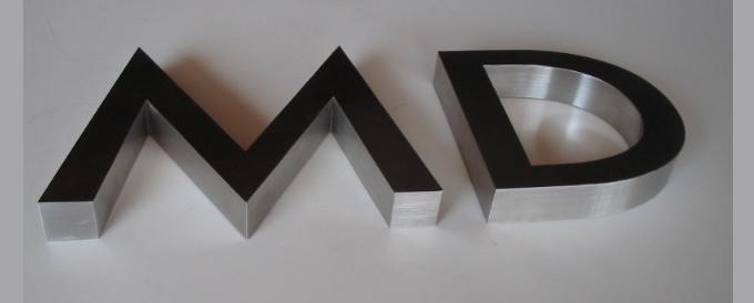Letra caixa com Aço Inoxidável Polido ou Escovado